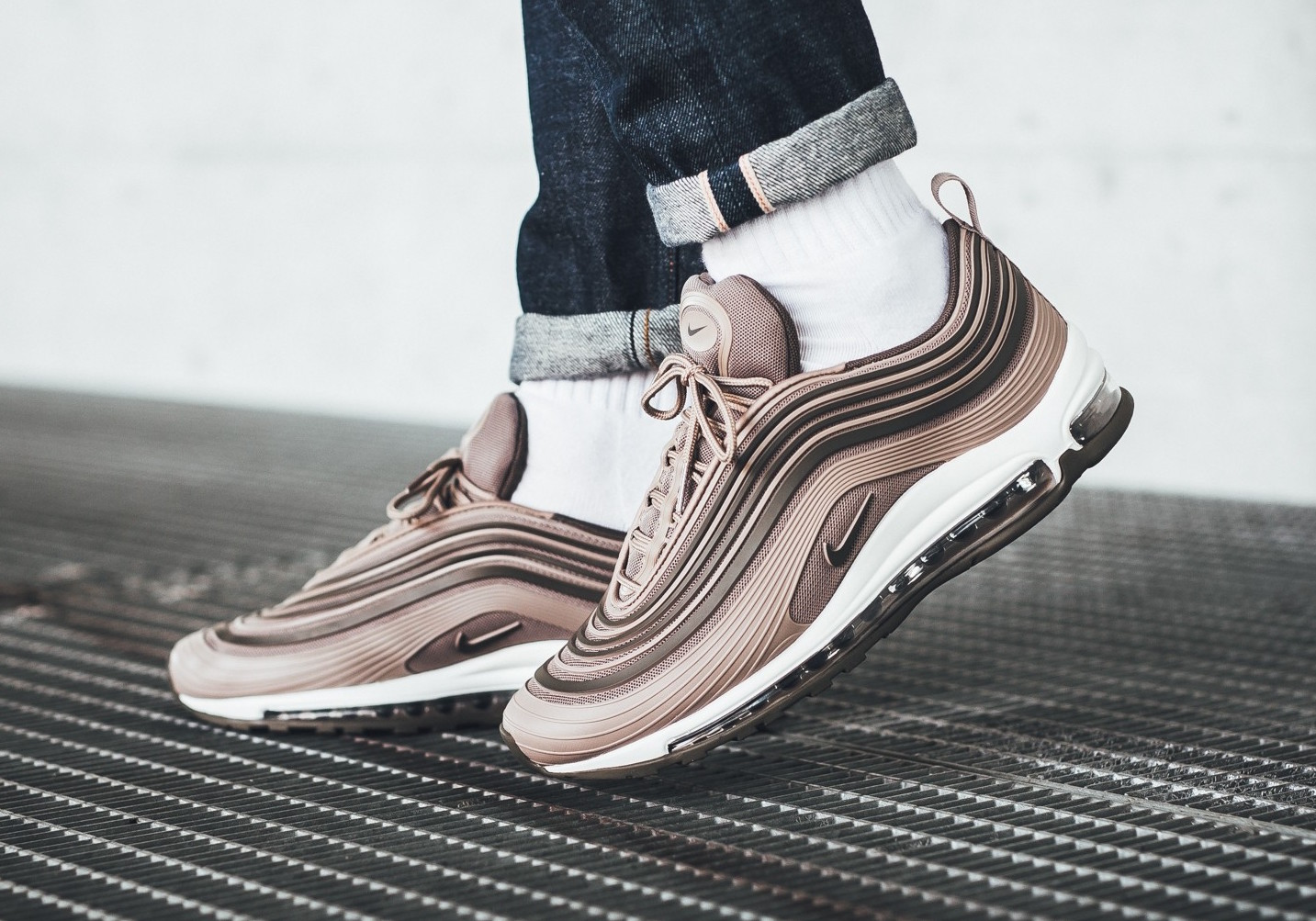 Nike-Air-Max-97-Ultra-17-Premium